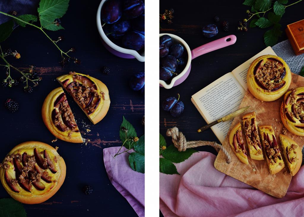 Zwetschgen und Brombeeren sind saisonales Obst im Spätsommer und lassen sich gut zu Süßspeisen verarbeiten.