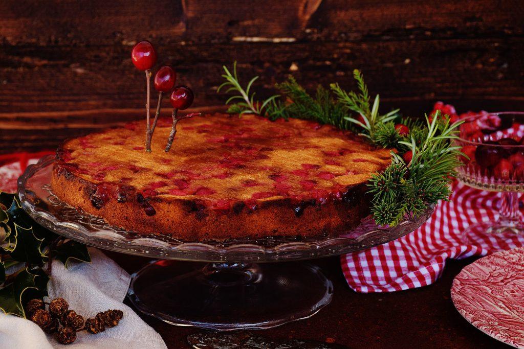 Gesunder Cranberry-Kuchen mit Orange und Dinkelmehl