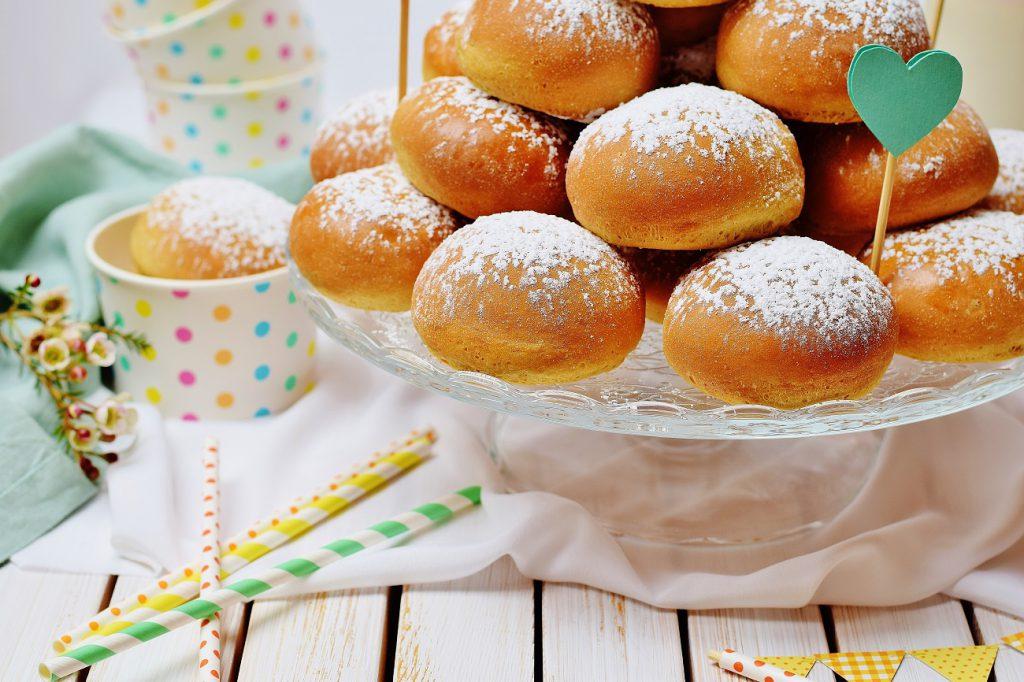 Fettarme Ofenkrapfen aus Dinkelmehl mit Marmelade (zuckerfrei)
