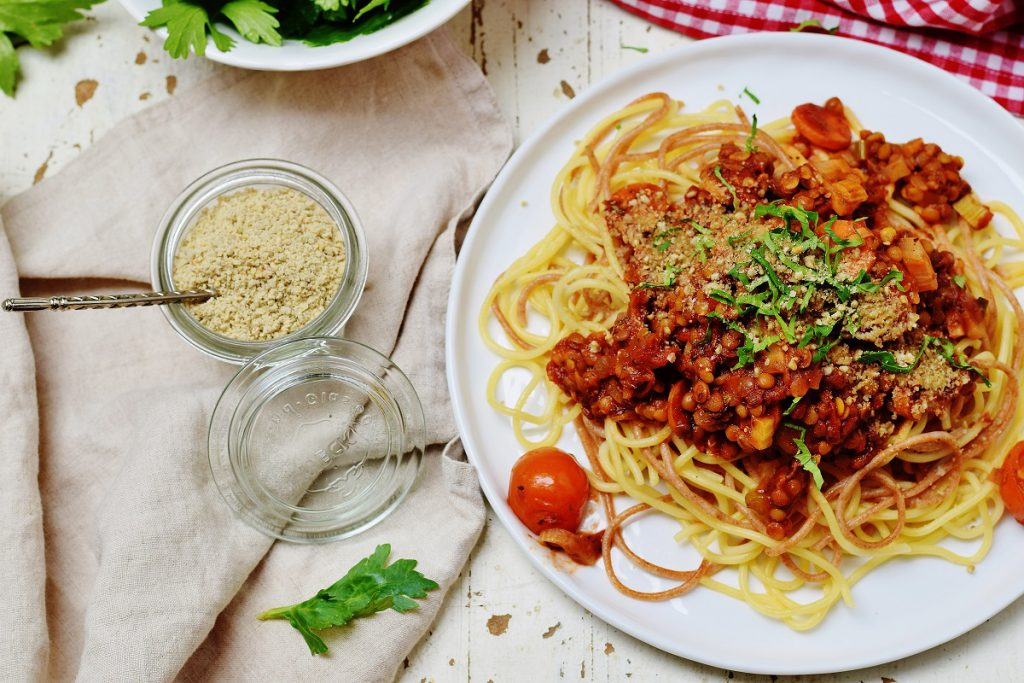 Spaghetti mit Linsen-Bolognese vegan