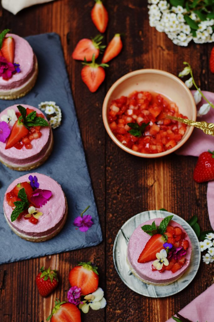 Erdbeer-Eiscreme-Törtchen