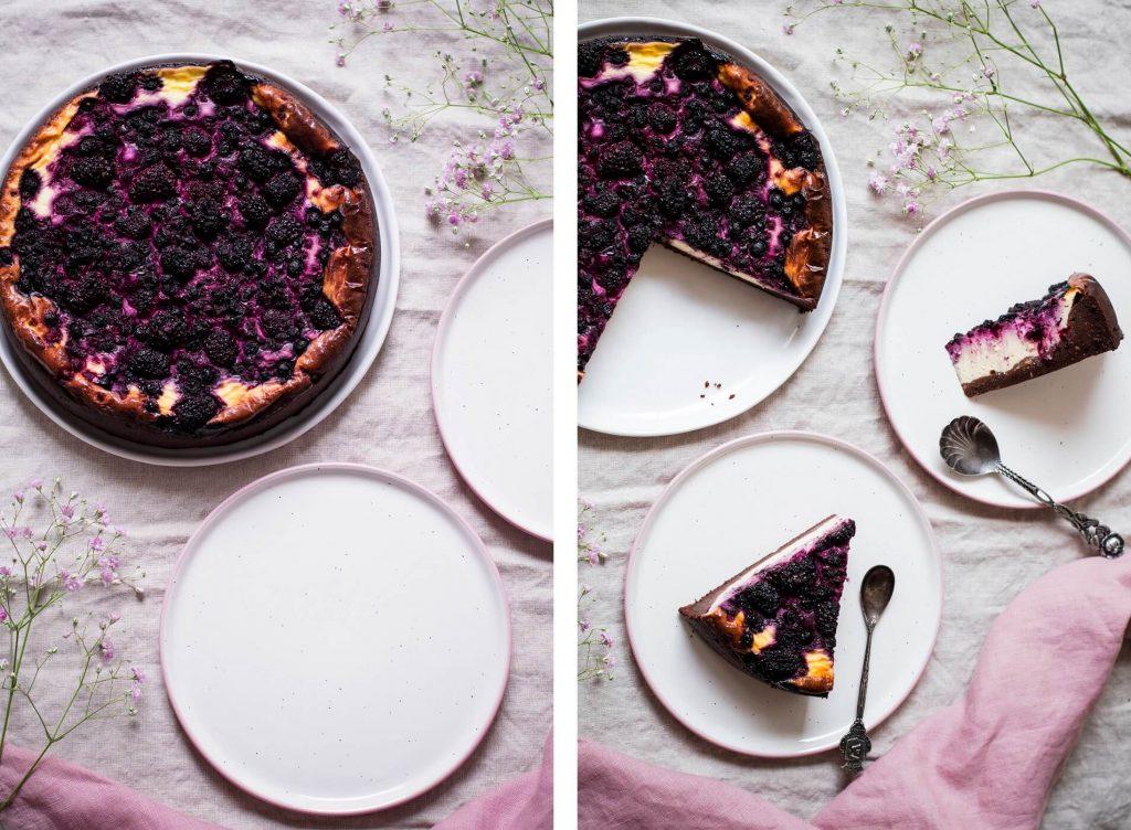 Brownie Cheesecake mit gemischten Beeren