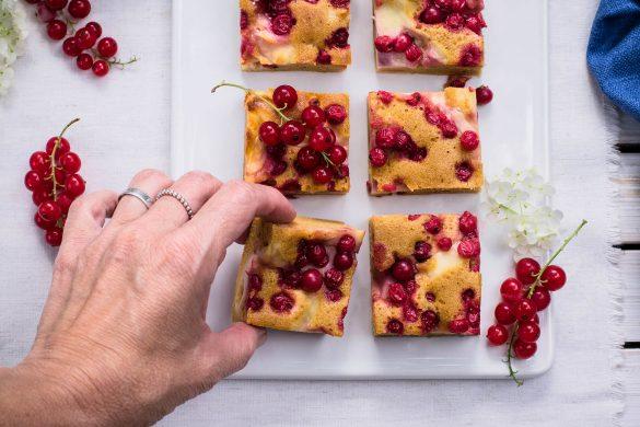 Rezept für einen gesunden Ribiselkuchen mit Dinkelmehl